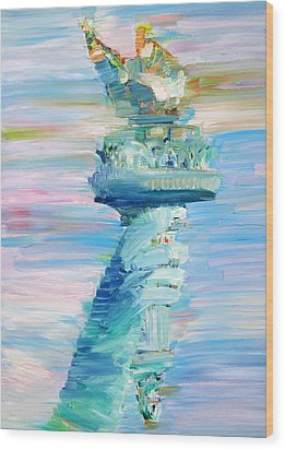 Statue Of Liberty - The Torch Wood Print by Fabrizio Cassetta