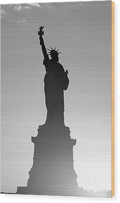 Statue Of Liberty Wood Print by Tony Cordoza