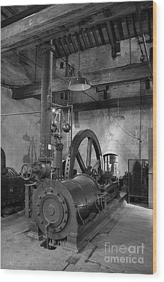 Steam Engine At Locke's Distillery Wood Print by RicardMN Photography