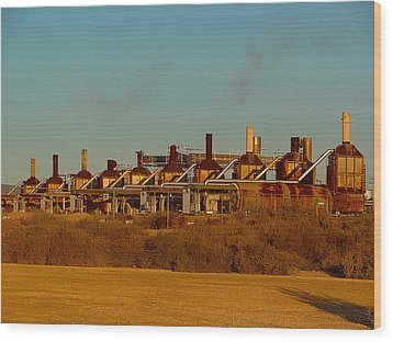 Wood Print featuring the photograph Steam Plant In Cymric Field by Lanita Williams