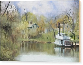 Steamboat Landing In The South Wood Print by Ike Krieger