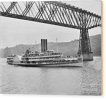 Steamer Albany Under Poughkeepsie Trestle Black And White Wood Print