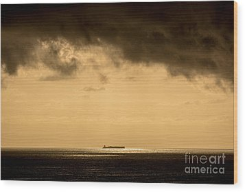 Steaming Thru The Sunrise Wood Print by Rene Triay Photography