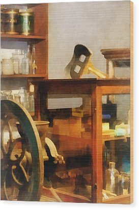 Stereopticon For Sale Wood Print by Susan Savad