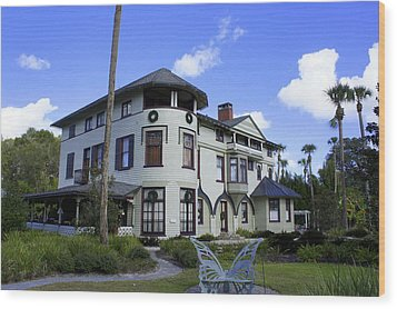 Stetson Mansion Wood Print by Laurie Perry