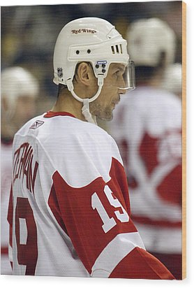 Steve Yzerman Wood Print by Don Olea