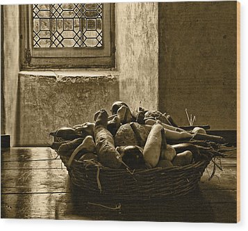 Still Life At Chenonceau Wood Print by Nikolyn McDonald