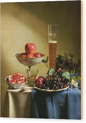 Still Life With Grapes  Wood Print by Levin Rodriguez