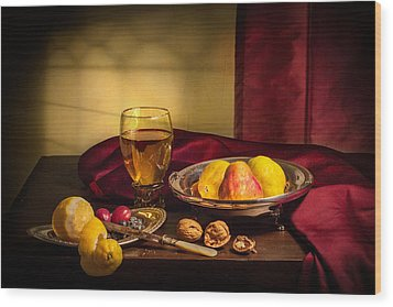 Still Life With Roemer-pears Wood Print by Levin Rodriguez