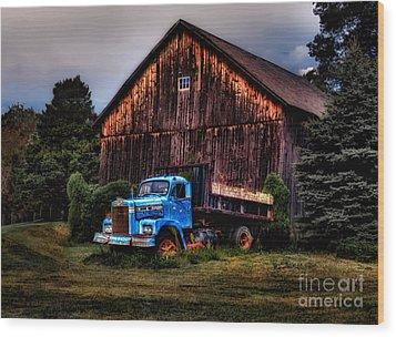Still Truckin Wood Print by Susan Candelario