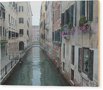 Still Waters In Venice Italy Wood Print by Jan Moore