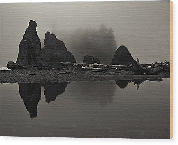 Stillness At Ruby Beach Wood Print