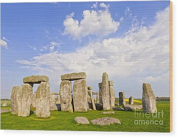 Stonehenge Stone Circle Wiltshire England Wood Print by Colin and Linda McKie
