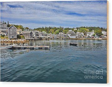 Stonington In Maine Wood Print by Olivier Le Queinec