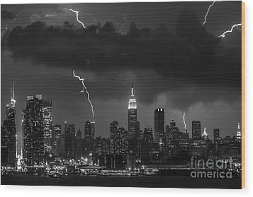 Storm Over Nyc  Wood Print by Jerry Fornarotto