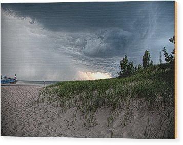 Storm Rolling In Wood Print by John Crothers