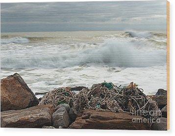 Storm Surf At Rye Beach Wood Print by Sharon Seaward