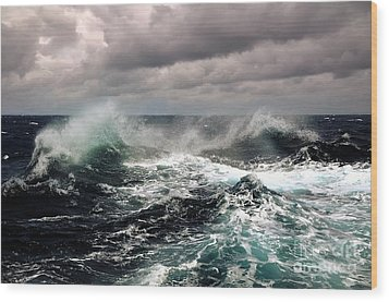 Storm Wave Wood Print by Boon Mee