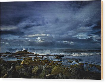 Wood Print featuring the photograph Stormy Beach by Joseph Hollingsworth