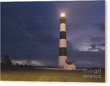 Stormy Bodie Lighthouse Outer Banks I Wood Print by Dan Carmichael
