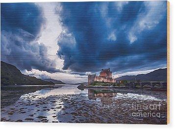 Stormy Skies Over Eilean Donan Castle Wood Print