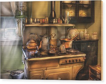 Stove - What's For Dinner Wood Print by Mike Savad