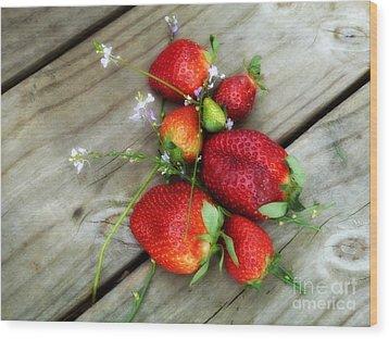 Strawberrries Wood Print by Valerie Reeves