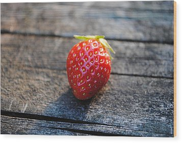 Wood Print featuring the photograph Strawberry On Plank by Robert  Moss