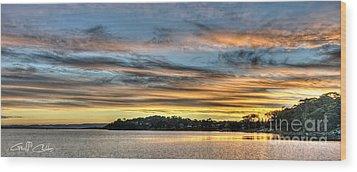 Streaky Sunset - Wangi Wangi Wood Print by Geoff Childs