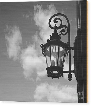 Street Lamp Wood Print by Tony Cordoza