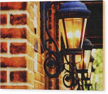 Street Lamps In Olde Town Wood Print by Michelle Calkins