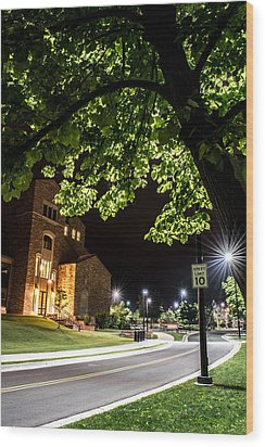 Street Lights In Slow Ville Wood Print