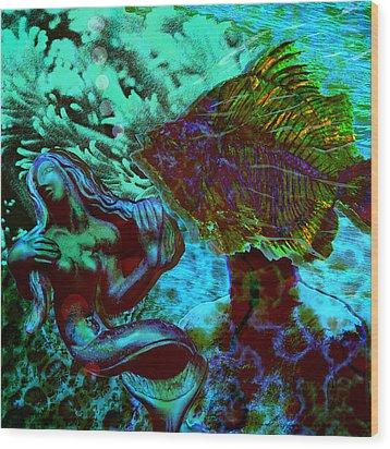 Submerged Courtship Wood Print by Maria Jesus Hernandez