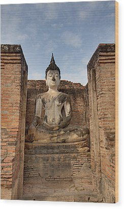 Sukhothai Historical Park - Sukhothai Thailand - 011317 Wood Print by DC Photographer
