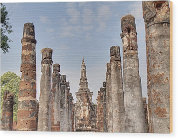 Sukhothai Historical Park - Sukhothai Thailand - 011336 Wood Print by DC Photographer