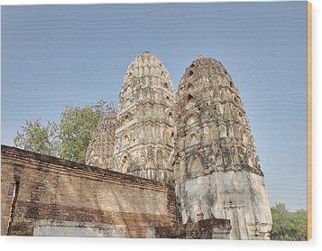 Sukhothai Historical Park - Sukhothai Thailand - 011355 Wood Print by DC Photographer
