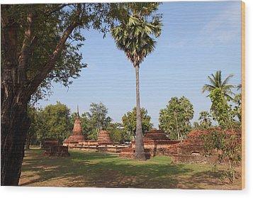 Sukhothai Historical Park - Sukhothai Thailand - 011367 Wood Print by DC Photographer