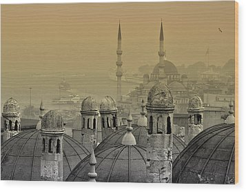 Suleymaniye Mosque And New Mosque In Istanbul Wood Print by Ayhan Altun