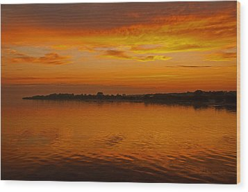 Wood Print featuring the pyrography Sun Going Down In Jastarnia by Julis Simo