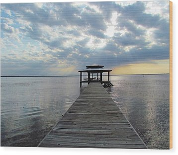 Sun Rays On The Lake Wood Print by Cynthia Guinn