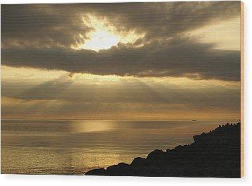Sun Rays / Sea Pier Wood Print by Gynt