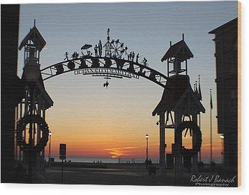 Sun Reflecting On Clouds Ocean City Boardwalk Arch Wood Print