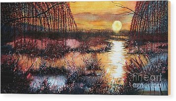 Sun Sets On The Marsh Wood Print by Janine Riley