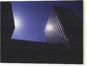 Sunburst On Building Wood Print by Thomas D McManus