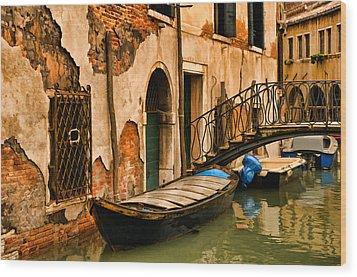 Sunday In Venice Wood Print by Mick Burkey