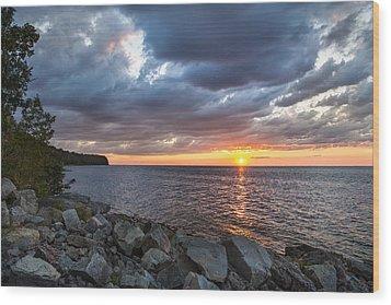 Sundown Bay Wood Print by Bill Pevlor