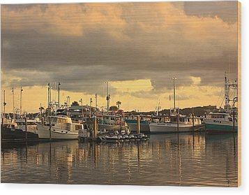 Wood Print featuring the photograph Sundown In The Bay... by Tammy Schneider