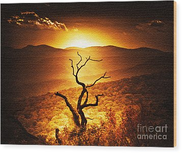 Sundown In The Mountains Wood Print