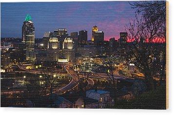 Sundown On The City Wood Print by Cathy Donohoue