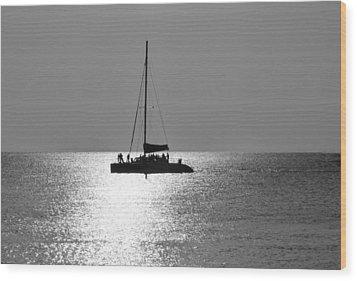 Sundown Sail Wood Print